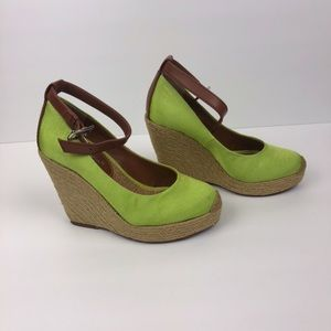 "BCBGeneration | Wedge 4"" High Heels"